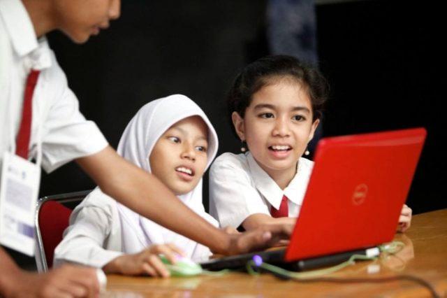 Mengenalkan Komputer pada anak-anak: Sumber Foto: id.theasianparent.com